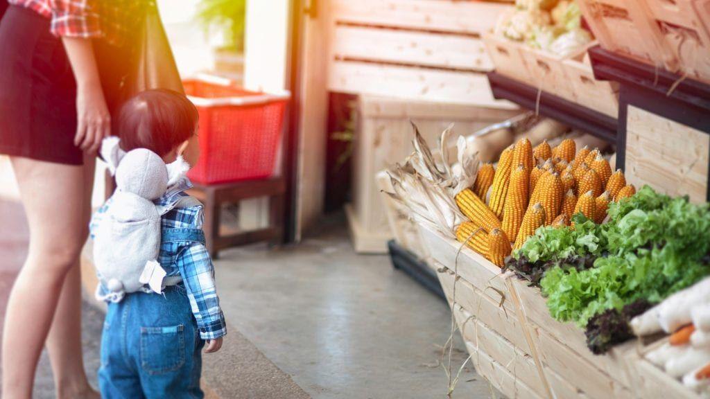 kids in the market